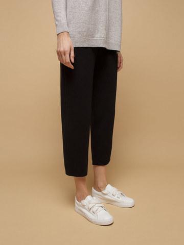 Женские брюки черного цвета из шерсти - фото 5