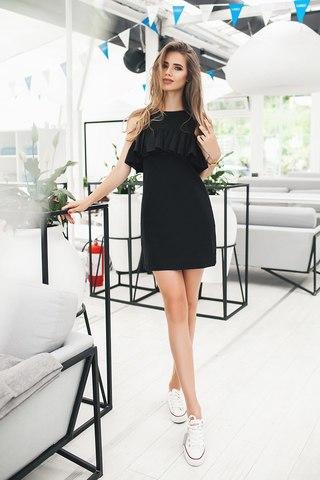 Короткое платье с воланом, черное 2