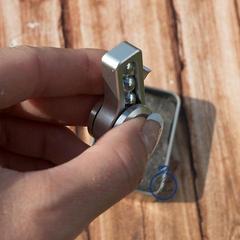Спиннер из металла с шариками серебряного цвета 17001M_silver