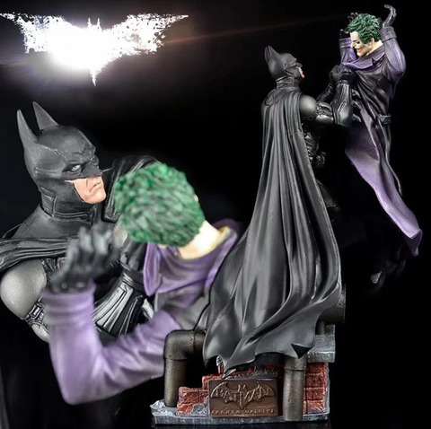 Фигурка Batman Arkham Statue VS Joker