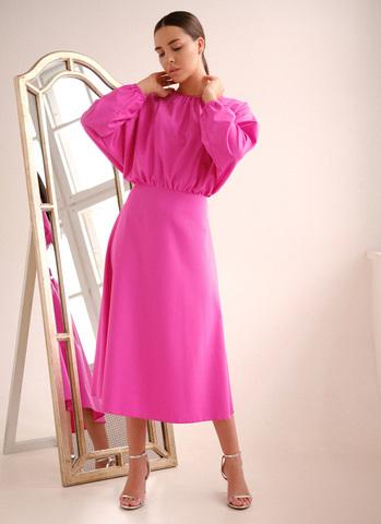 Струящееся платье с разрезом на спине