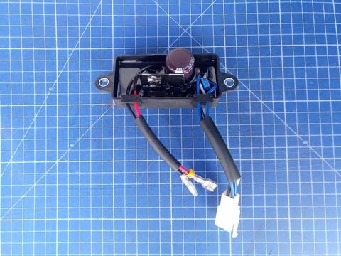 Блок AVR DDE 2 кВт, 1Ф GG2700/3300 ( 1 колодка на 4 провода + 2 провода) - 20-0001