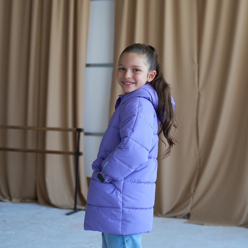 Дитяча подовжена зимова куртка в фіолетовому кольорі для дівчинки