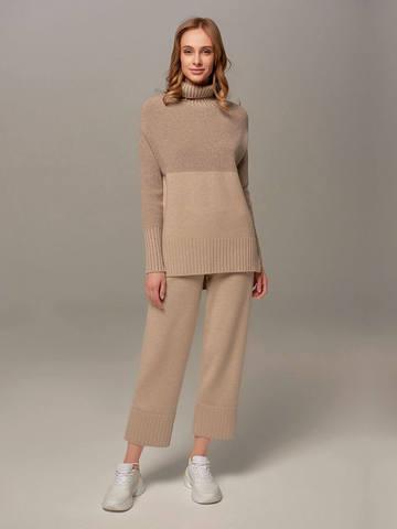 Женский свитер бежевого цвета с высоким горлом из шерсти и кашемира - фото 5