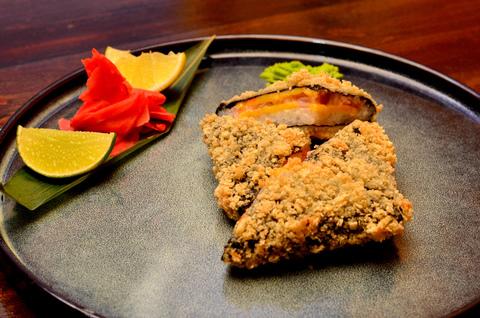 Суши -сендвич с креветкой и лососем