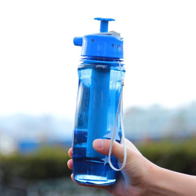 Синий цветовой вариант спортивной бутылки