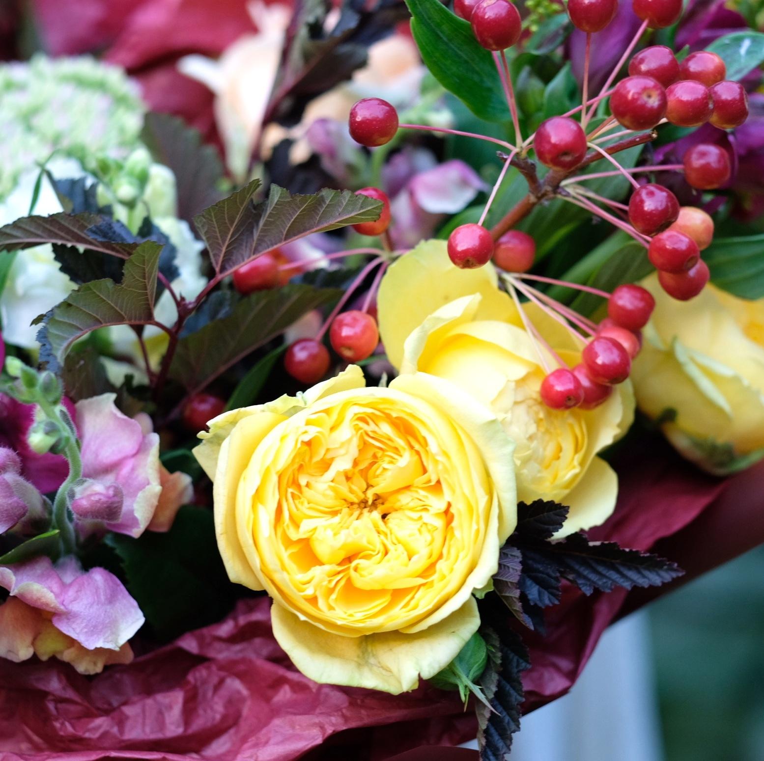 Букет осенний 37 с экспериментальными розами