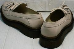 Модные туфли на низком каблуке женские Markos S-6 Light Beige.