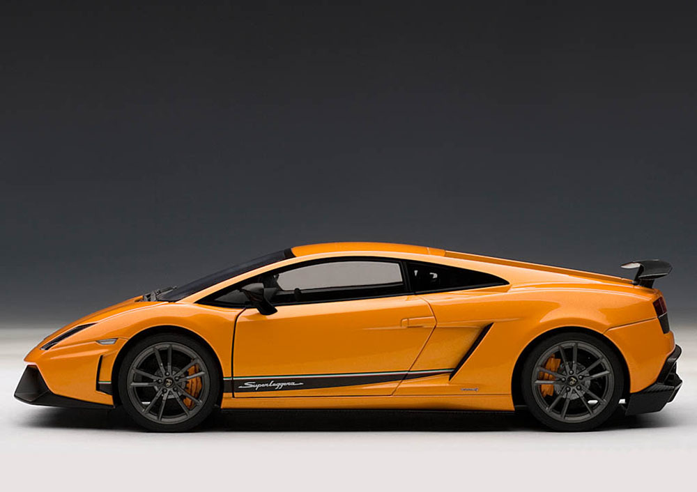 Коллекционная модель Lamborghini Gallardo LP570-4 Superleggera 2010 Orange Metallic