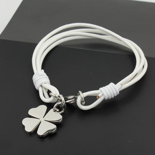 Изящный стильный лёгкий белый браслет удачи из кожаного шнура и стали