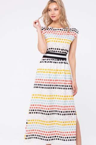 Фото длинное летнее белое платье с яркой вышивкой и акцентом на талии - Платье З450а-112 (1)