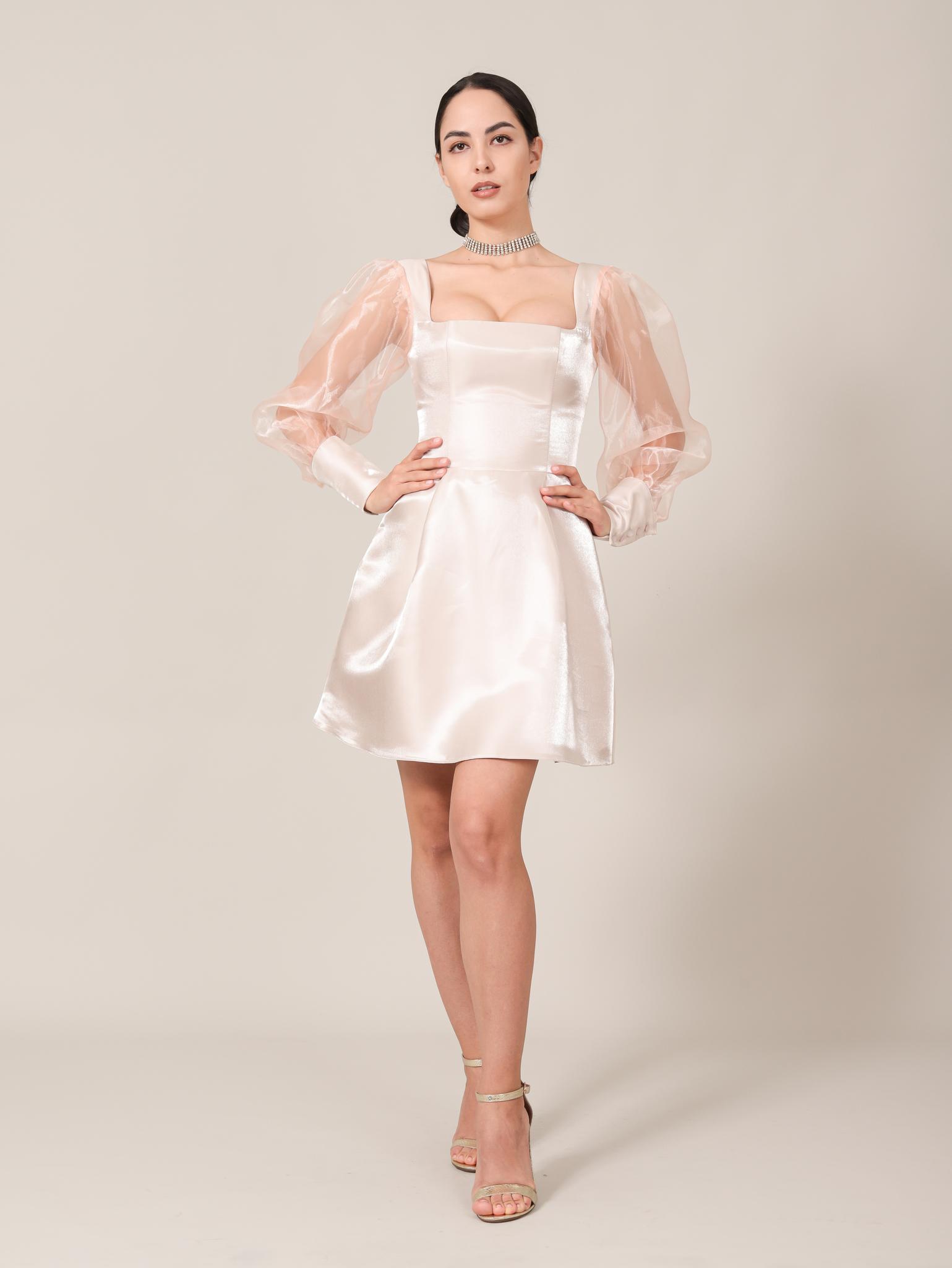Свадебное платье / Вечернее платье из блестящей ткани с квадратным вырезом и длинными рукавами из фатина мини (бежевый)