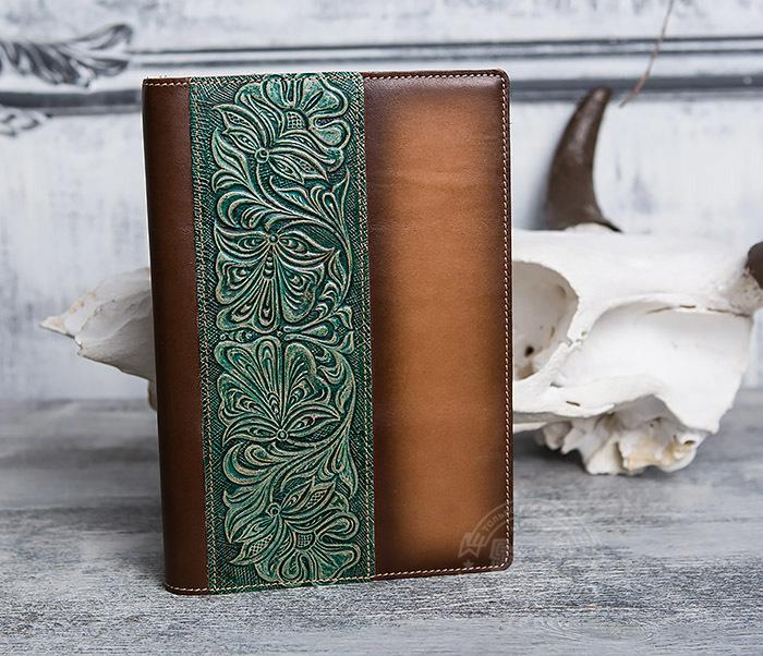 BY05-12-02 Подарочный кожаный ежедневник с рисунком «Шеридан» (формат А5)