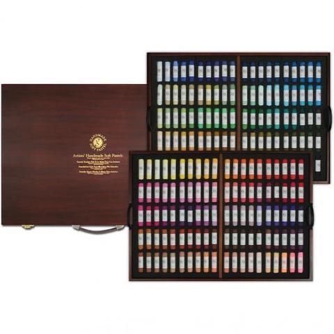 Пастель сухая мягкая круглая ручной работы 200 цветов в деревянной коробке