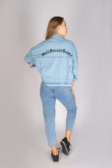 Джинсовая куртка с вышивкой на спине недорого