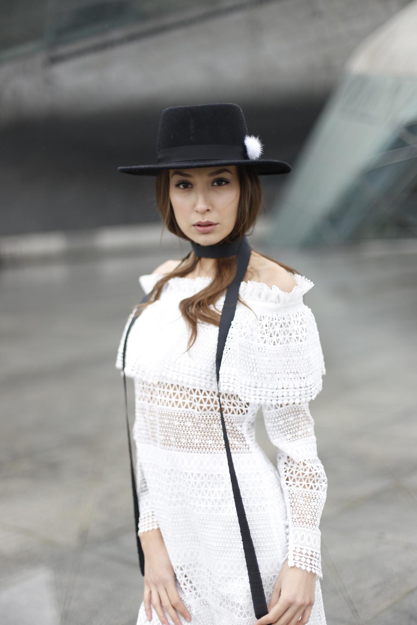 Платье из плетеного кружева