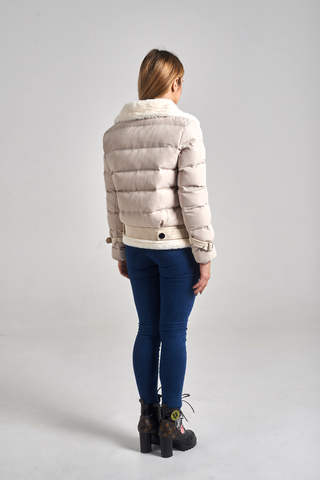 Куртка с широким воротником магазин