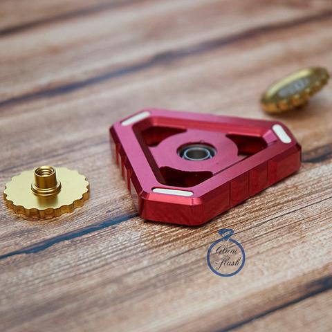 Спиннер из металла треугольной формы красного цвета 17001TR_red