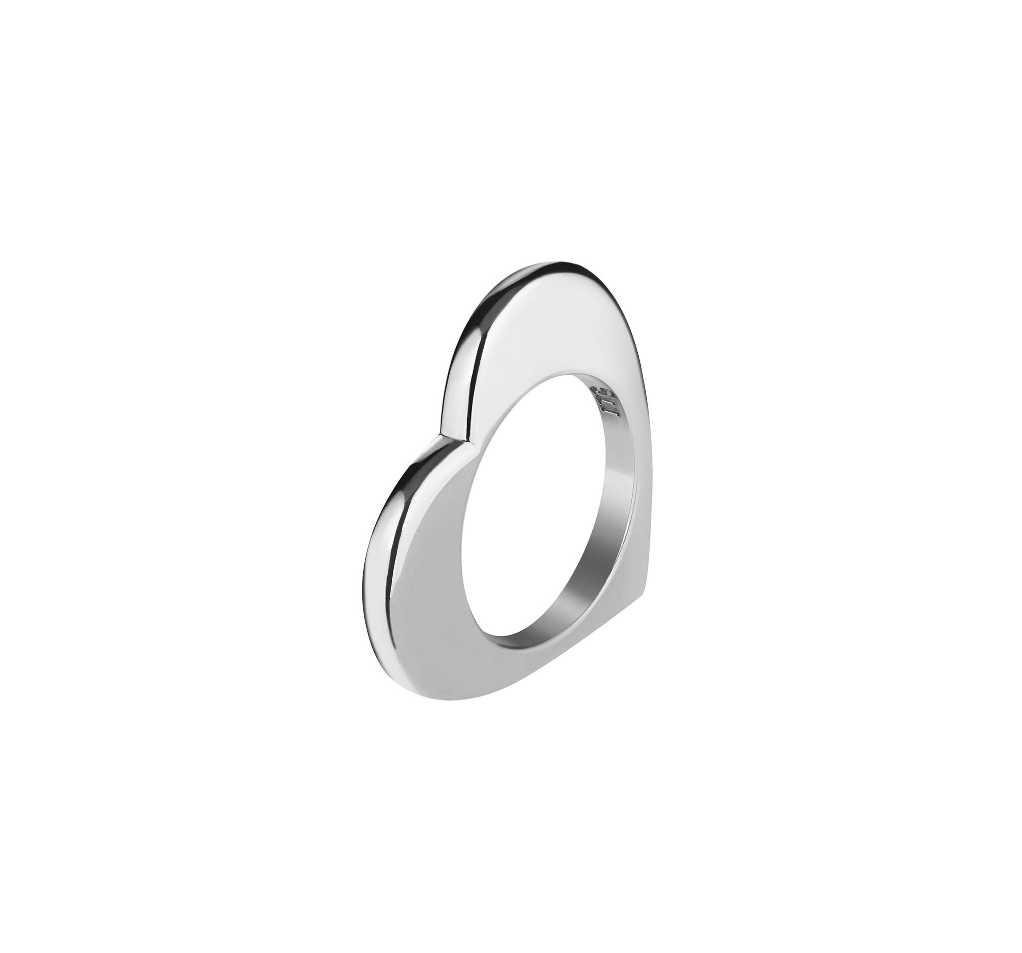 Кольцо из серебра 925 пробы и покрыто родием