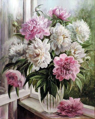 Картина раскраска по номерам 30x40 Розовые и белые пионы в прозрачной вазе у открытого окна