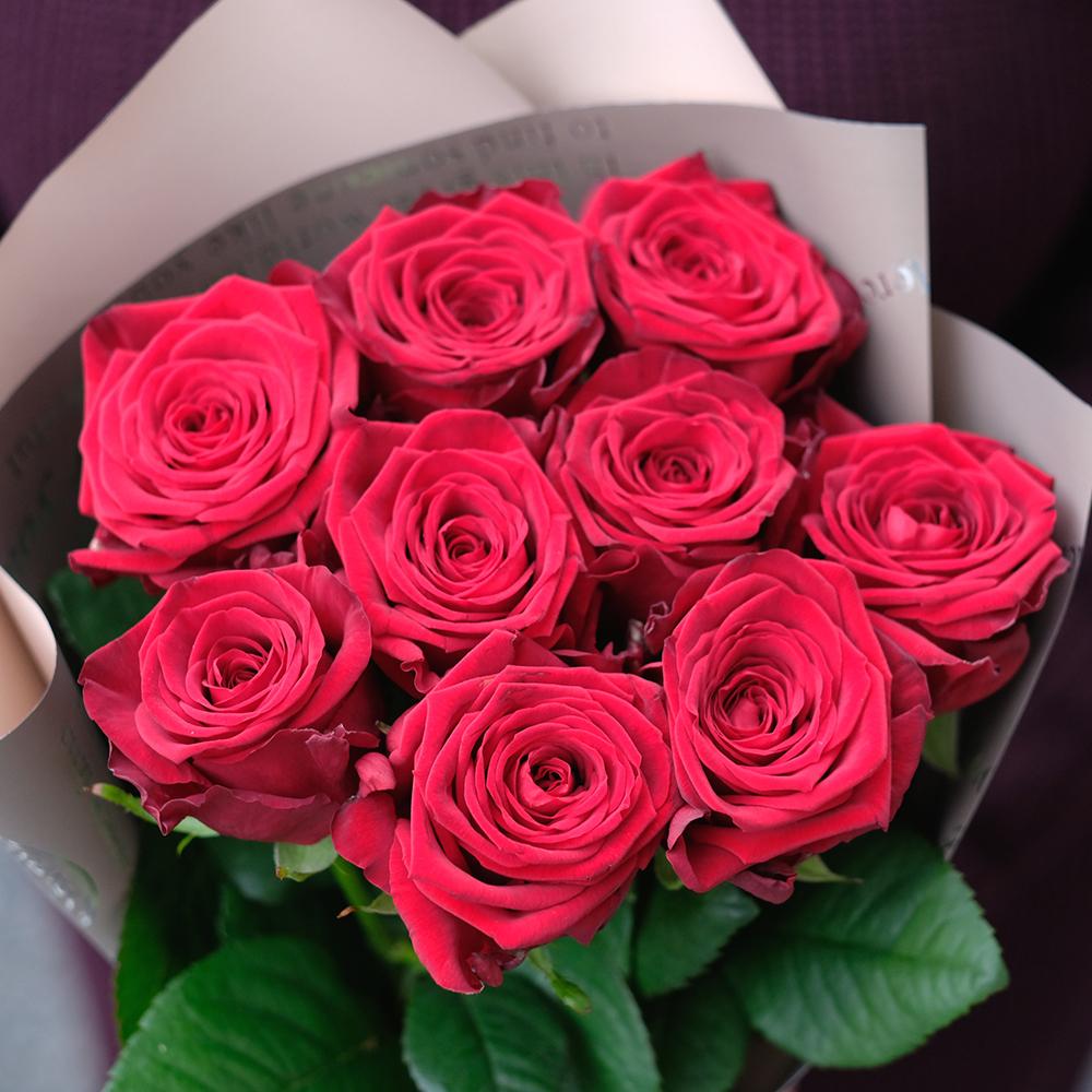 Букет 9 красных роз Red Naomi