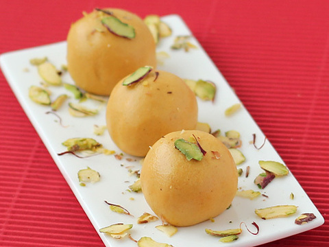 https://static-sl.insales.ru/images/products/1/1123/13067363/besan_ladoo.jpg