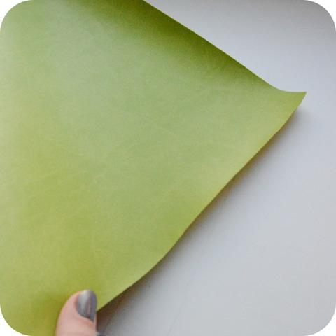 Кожзам переплетный матовый, светло-зеленый