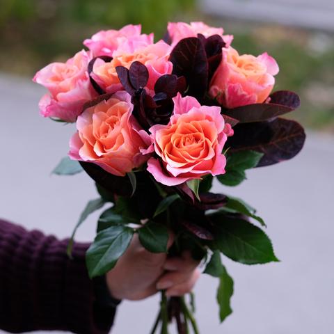 Букет-комплимент с экспериментальными розами 40см