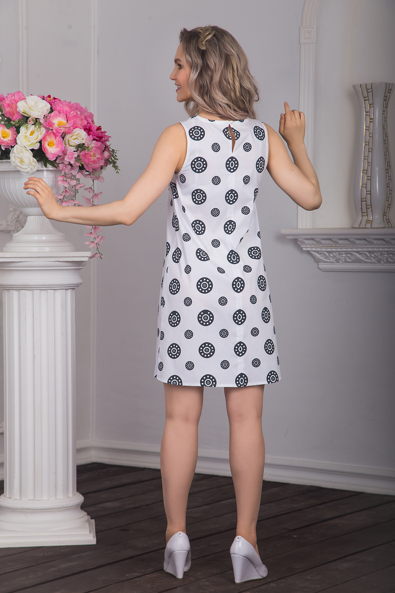 Платье Дымковская игрушка (черные горошины) вид сзади