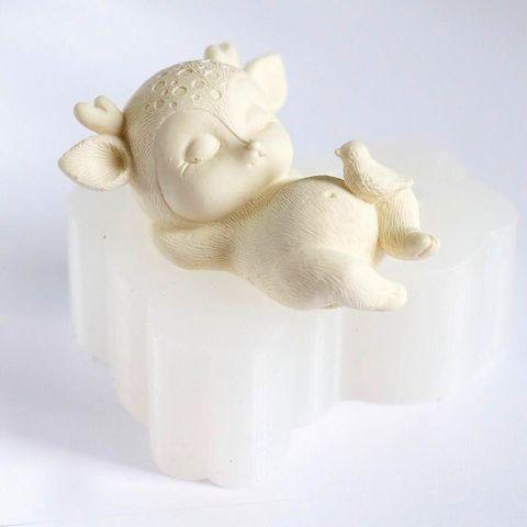 Силиконовая форма молд 3D Спящий олененок №5