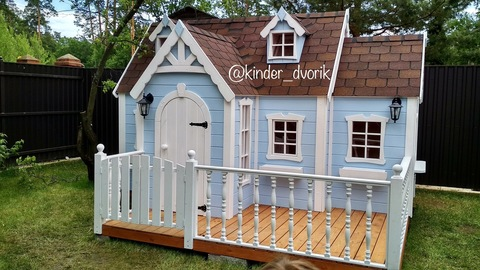 Детский деревянный домик на дачу