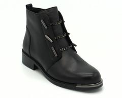 Черные ботинки из натуральной кожи на устойчивом каблуке