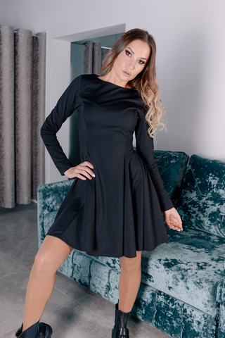 Черное платье с рукавами клеш Nadya