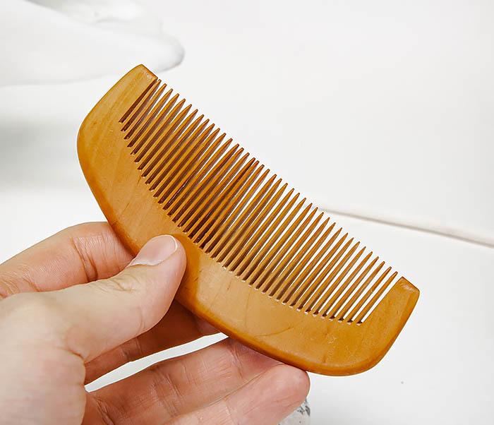 CARE154 Гребень для бороды из персикового дерева фото 04