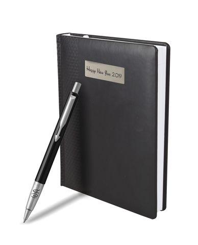 Набор с гравировкой: Ежедневник недатированный и Шариковая ручка Parker Vector Standard K01, цвет: Black123