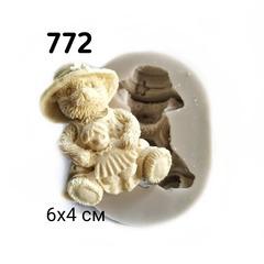 0772 Молд силиконовый. Мишка с куклой.
