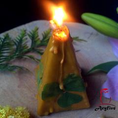 Свеча-ритуал «Золотой клевер»