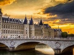 Алмазная Мозаика + Багет 40x50 Вид на здания через мост