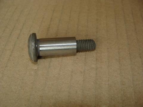 Болт М8*40(башмака натяж. цепи под ключ звездочка)
