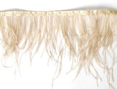 Тесьма  из перьев страуса h 10-15 см., светлый беж