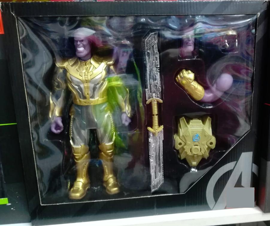 Качественная фигурка Таноса в подарочной упаковке