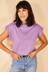 Qadın üçün yazılı bənövşəyi  t-shirt 10601002