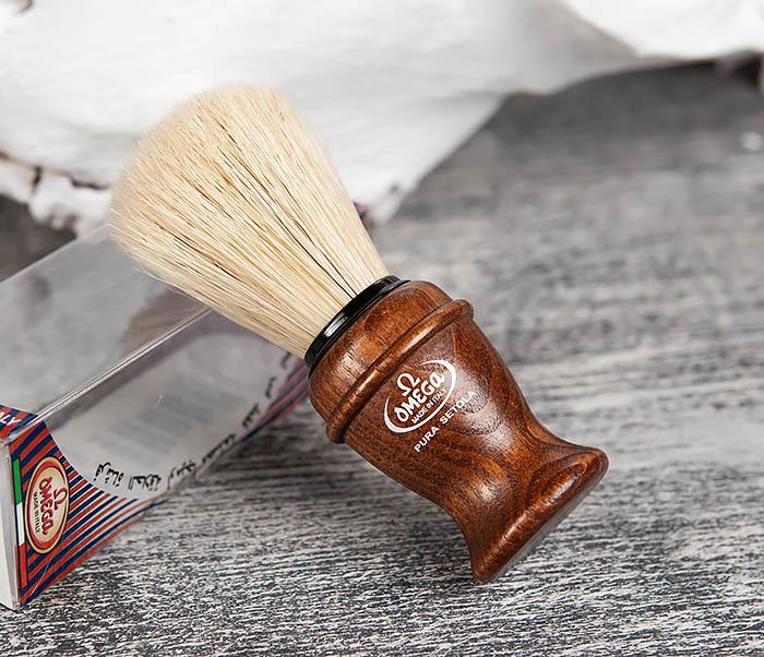 RAZ11137 Помазок из щетины кабана с деревянной рукояткой