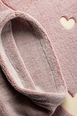 Плед с рукавами Gekoko «Сердца» неоновый 6