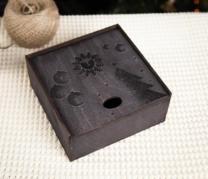 BOX203-1 Подарочная новогодняя коробка из дерева с ручками (17*17*7 см) фото 03