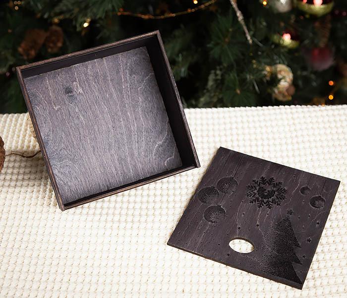 BOX203-1 Подарочная новогодняя коробка из дерева с ручками (17*17*7 см) фото 04