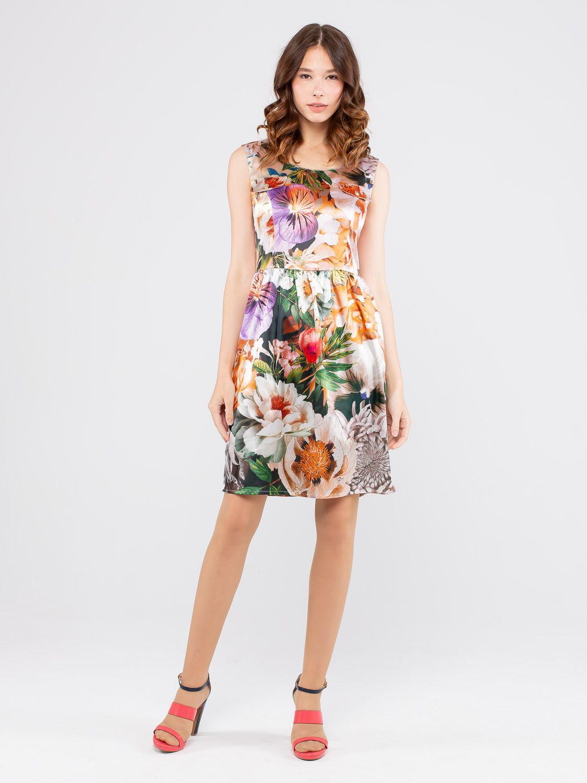 Платье З103-196 - Летнее платье, отрезное по линии талии, с расклешенной юбкой. Оно прекрасно держит форму, удобно в повседневном ношении и дает коже возможность дышать. Отличный вариант для повседневного гардероба.