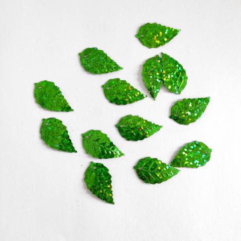 Пайетки лист березовый зеленый голограф 50грамм 22*13мм