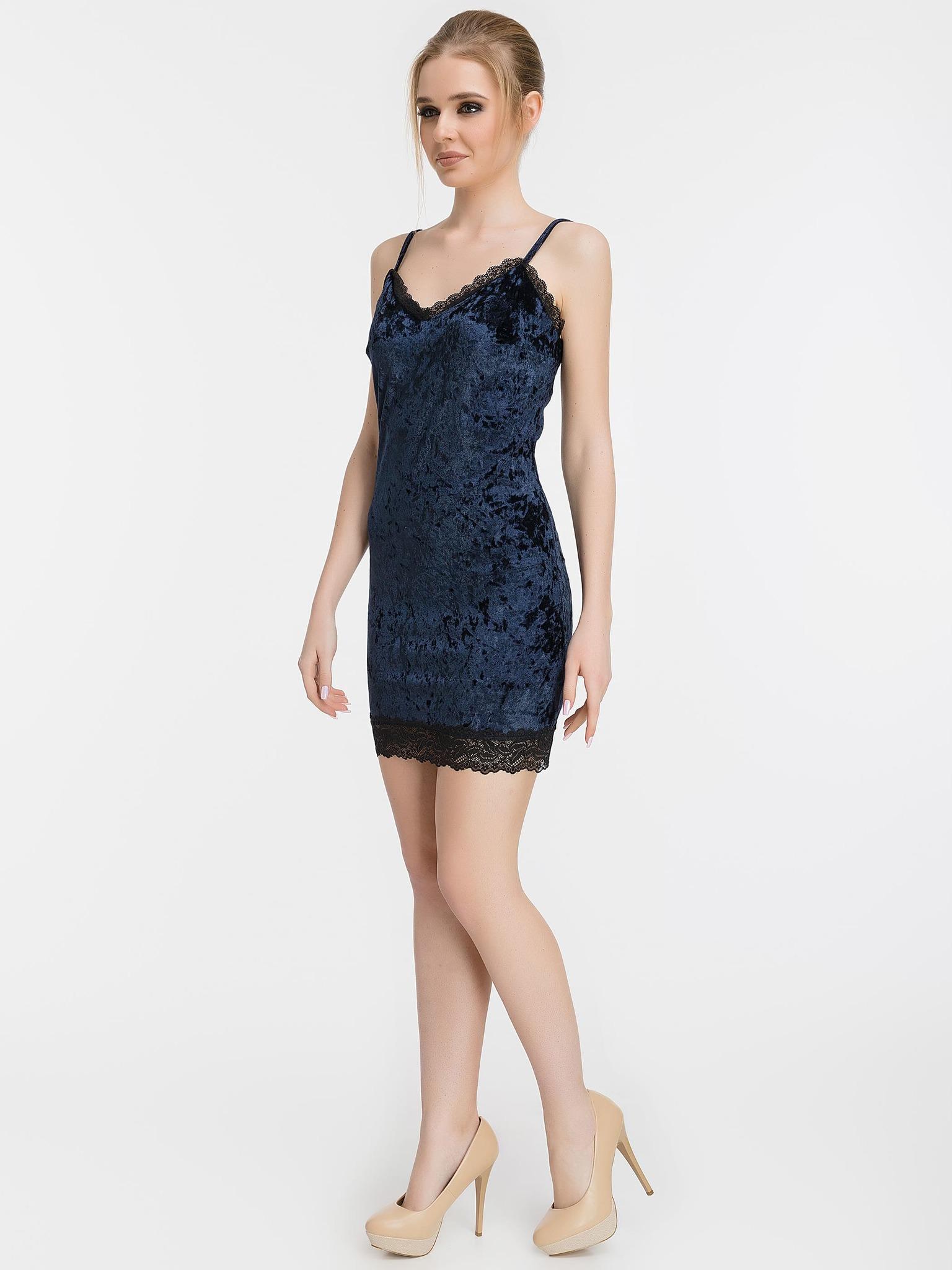 Бархатное мини платье-комбинация с кружевом, темно-синее