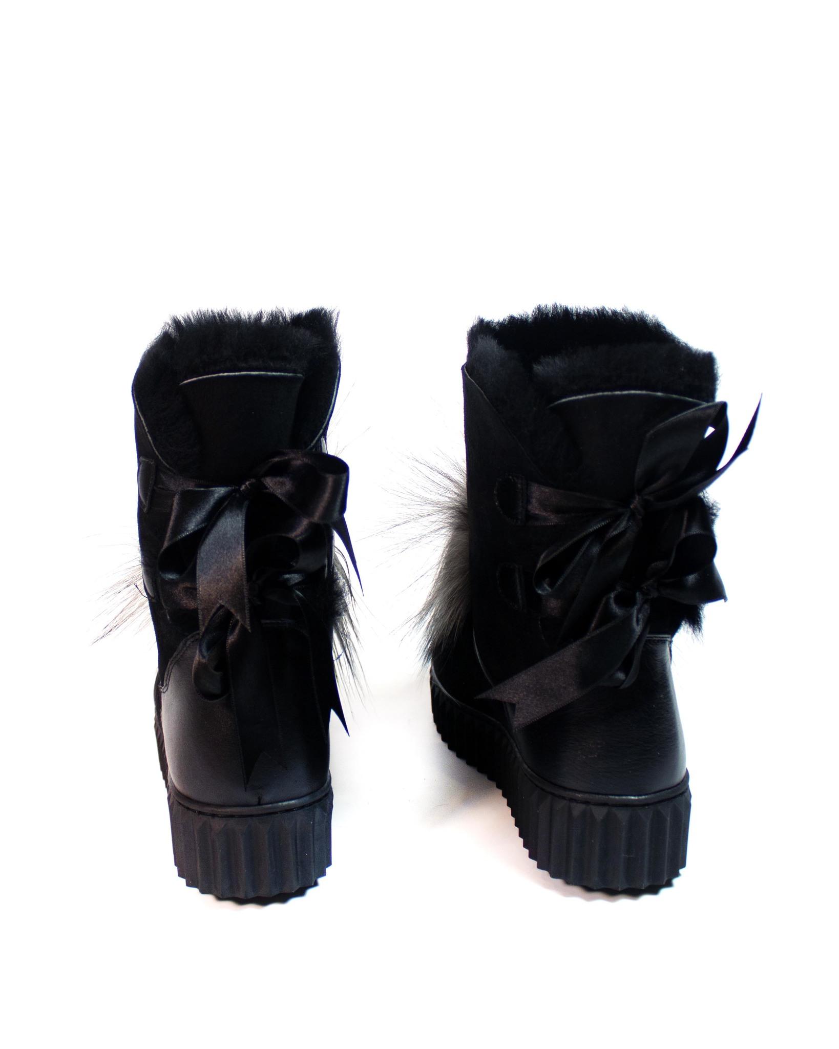 черные ботинки с мехом SM